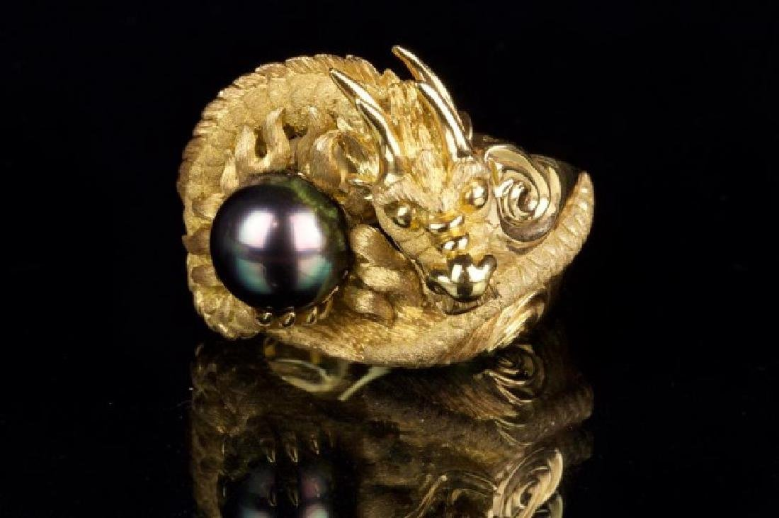 18K GOLD RING WITH BLACK SOUTH SEA PEARL