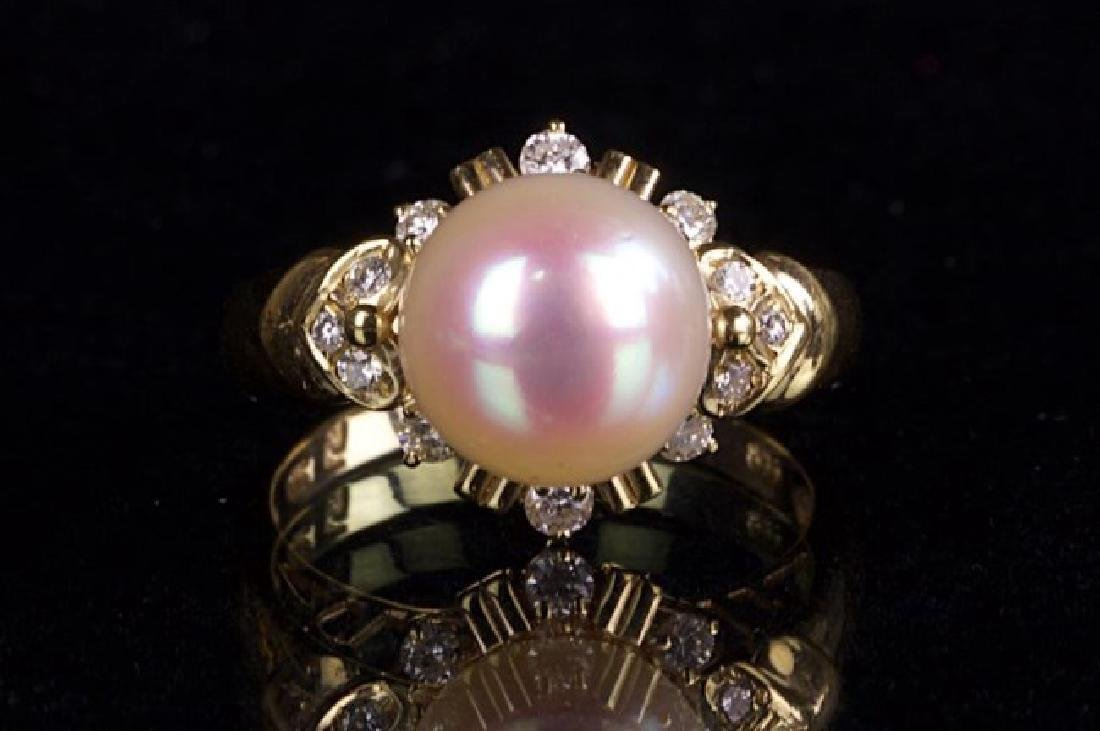 18K GOLD, PEARL, AND DIAMOND RING