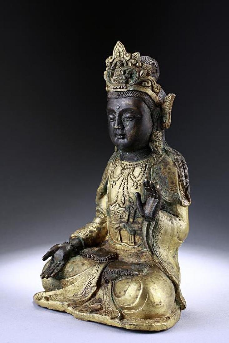 ANTIQUE CHINESE BRONZE FIGURE OF A BUDDHA - 2