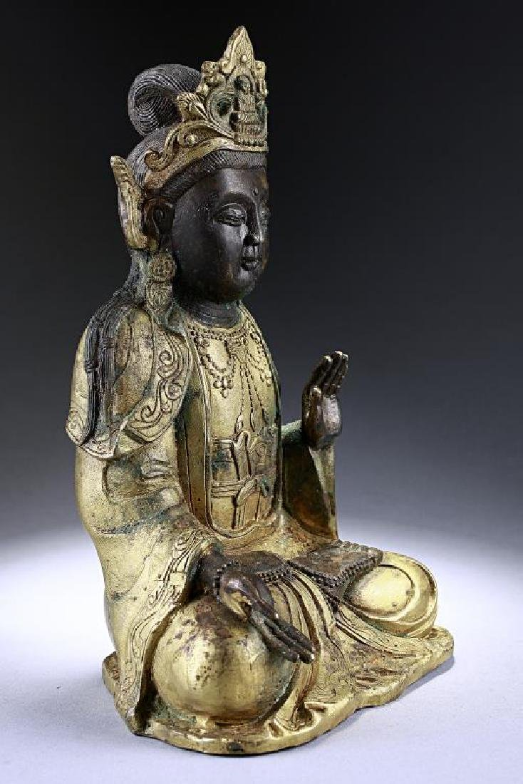 ANTIQUE CHINESE BRONZE FIGURE OF A BUDDHA - 6
