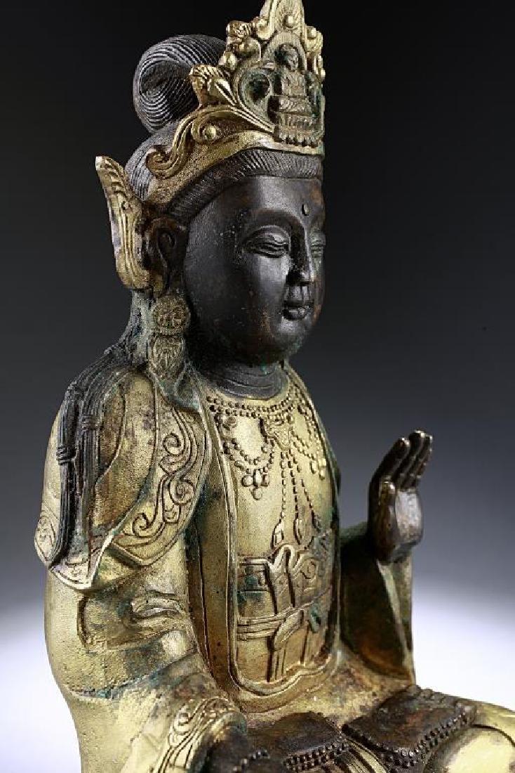 ANTIQUE CHINESE BRONZE FIGURE OF A BUDDHA - 7
