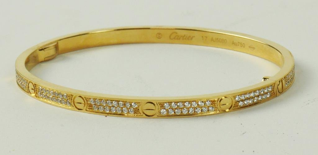 CARTIER-STYLE 18K YELLOW GOLD SLENDER BANGLE