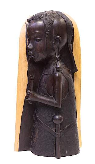 AFRICAN CARVED WOOD OF A FEMALE TRIBAL WARRIOR