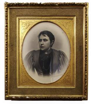 FRAMED SKETCH PAINTING OF A WOMAN PORTRAIT