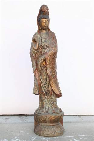 ANTIQUE CHINESE CARVED WOOD STATUE OF A GUANYIN