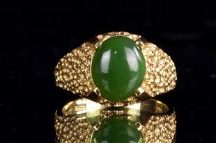 14K GOLD AND CHINESE GREEN JADE RING