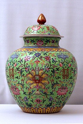 2: CHINESE FAMILLE ROSE PORCELAIN URN