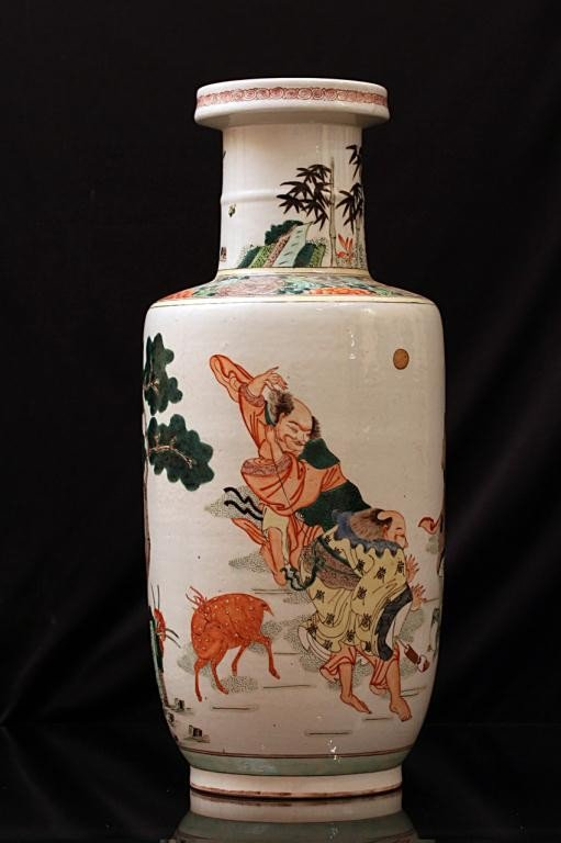 5: HAND-PAINTED CHINESE ROULEAU PORCELAIN VASE