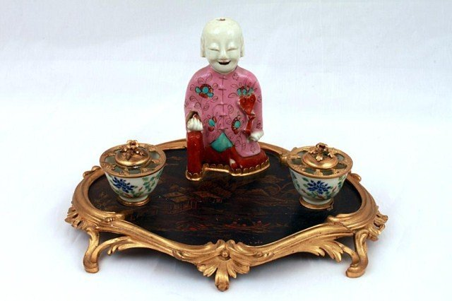 7: 18TH C CHINESE FIGURE OF A BOY ON FRENCH INKWELL