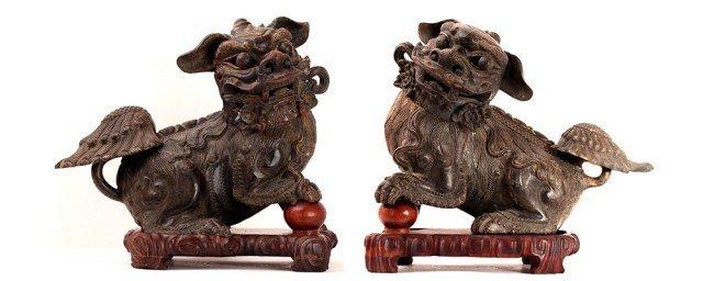 24: PAIR OF JAPANESE FOO DOGS