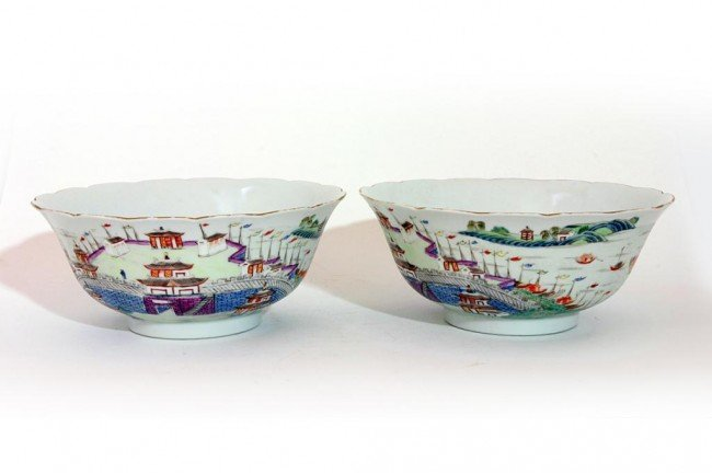 3: PAIR OF CHINESE BOWLS, WITH IMAGE OF A SEA PORT