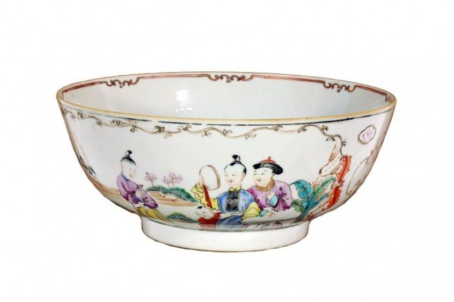 9: CHINESE 18TH CENTURY HAND PAINTED PORCELAIN BOWL
