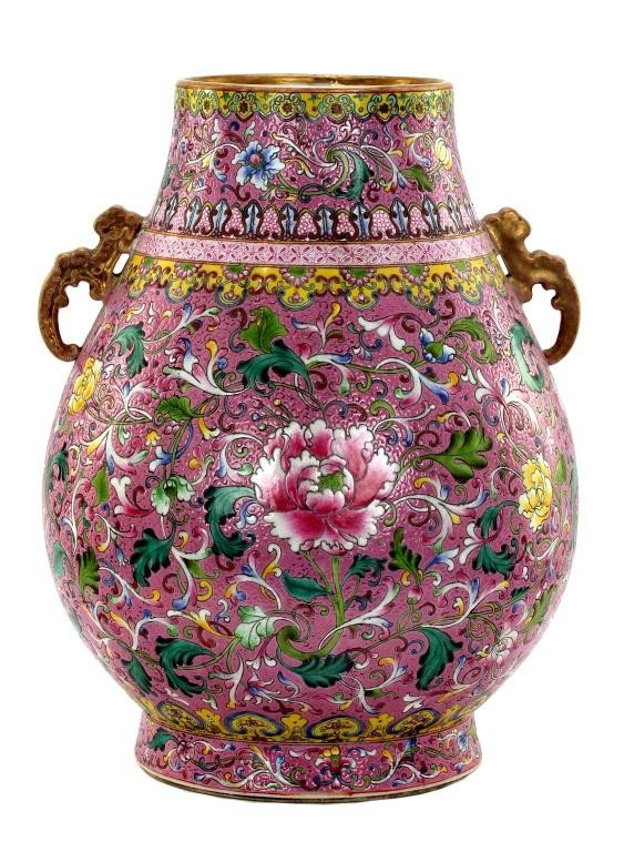 20: EXQUISITE CHINESE FAMILLE ROSE PORCELAIN VASE