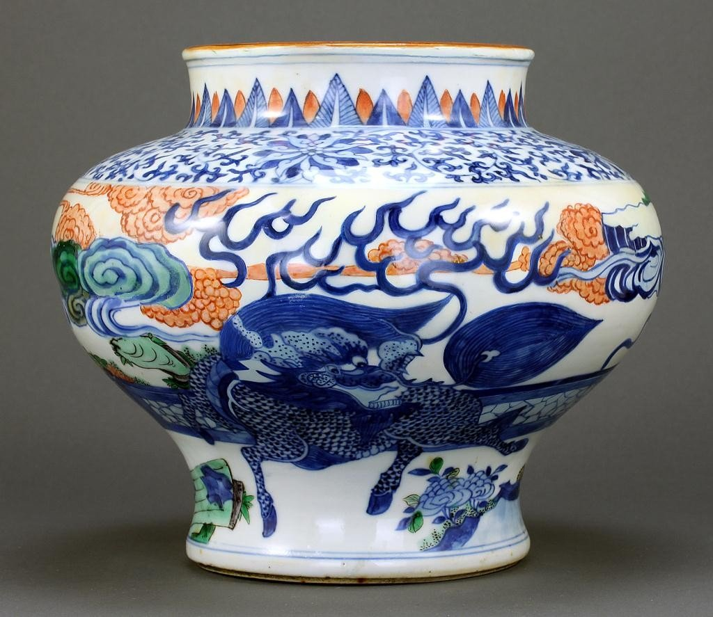 11: 18TH CENTURY ANTIQUE CHINESE BALUSTER JAR