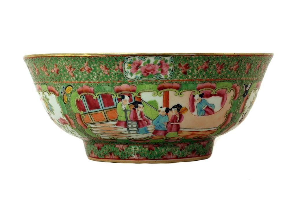 24: ANTIQUE CHINESE ROSE MEDALLION CANTON PUNCH BOWL