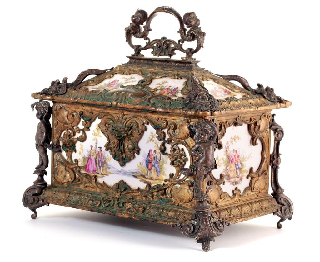 19: BEAUTIFUL ANTIQUE FRENCH JEWELRY BOX