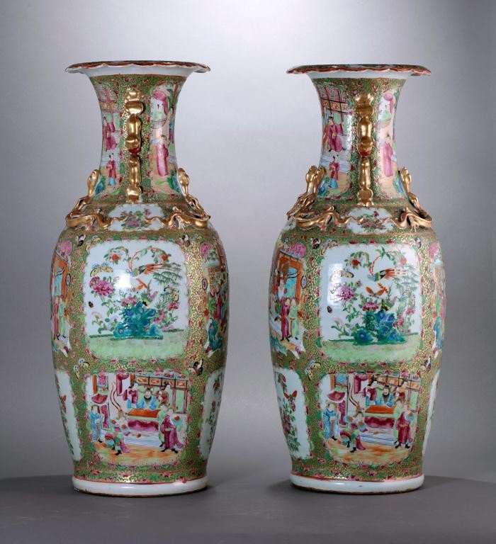 22: PAIR OF LARGE ANTIQUE CHINESE CANTON VASES - 2