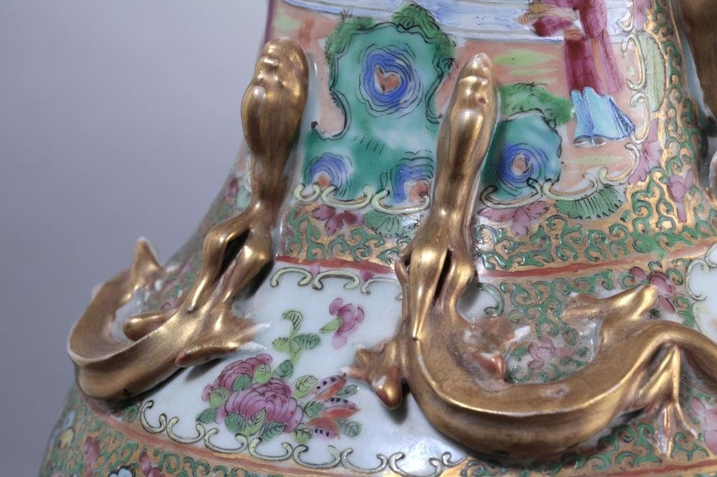 22: PAIR OF LARGE ANTIQUE CHINESE CANTON VASES - 8