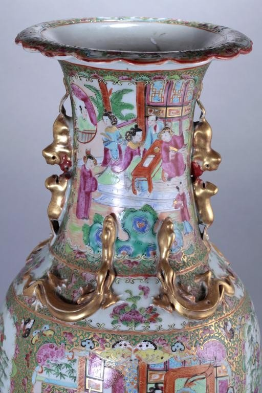 22: PAIR OF LARGE ANTIQUE CHINESE CANTON VASES - 9