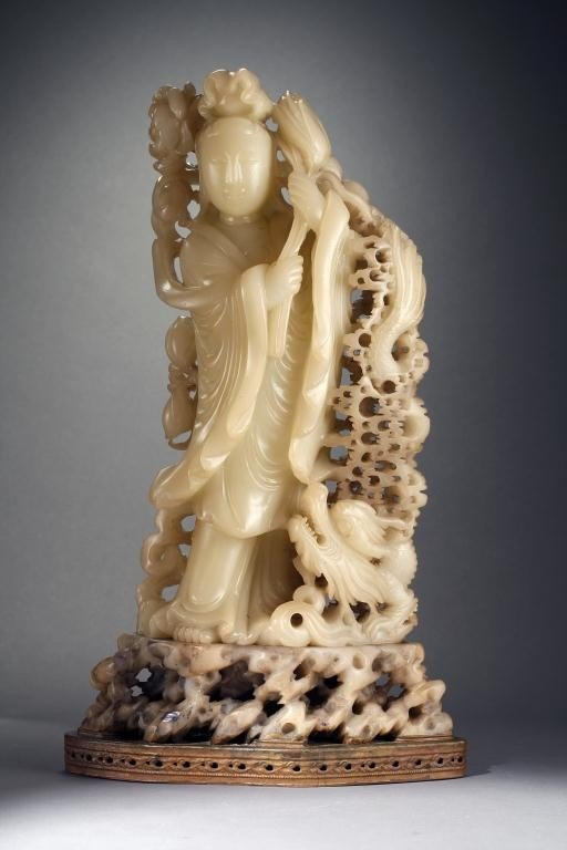 150: CHINESE SOAPSTONE FIGURE OF A GUANYIN