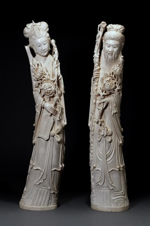 64: IMPORTANT PAIR OF CHINESE CARVED IVORY FIGURES