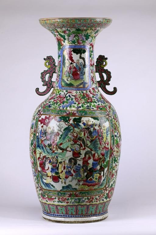 12: VERY LARGE ANTIQUE CHINESE FAMILLE ROSE VASE