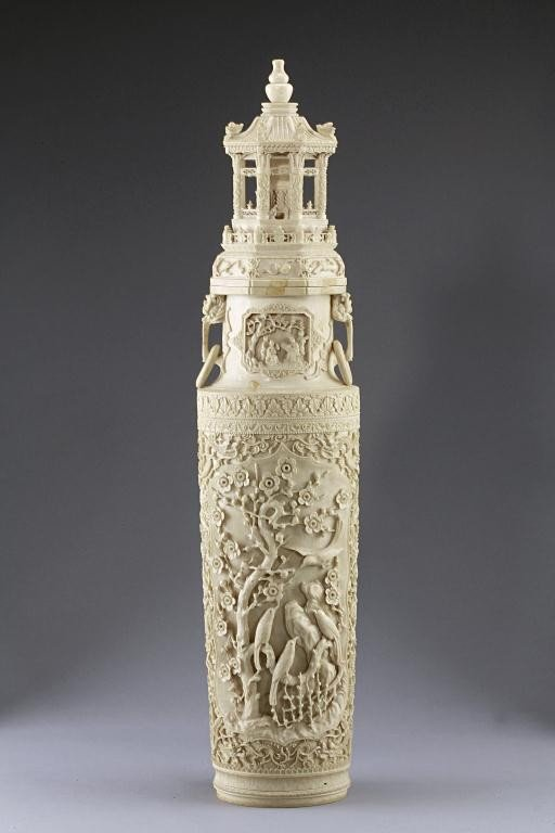 49: MAGNIFICENT ANTIQUE CHINESE CARVED IVORY VASE