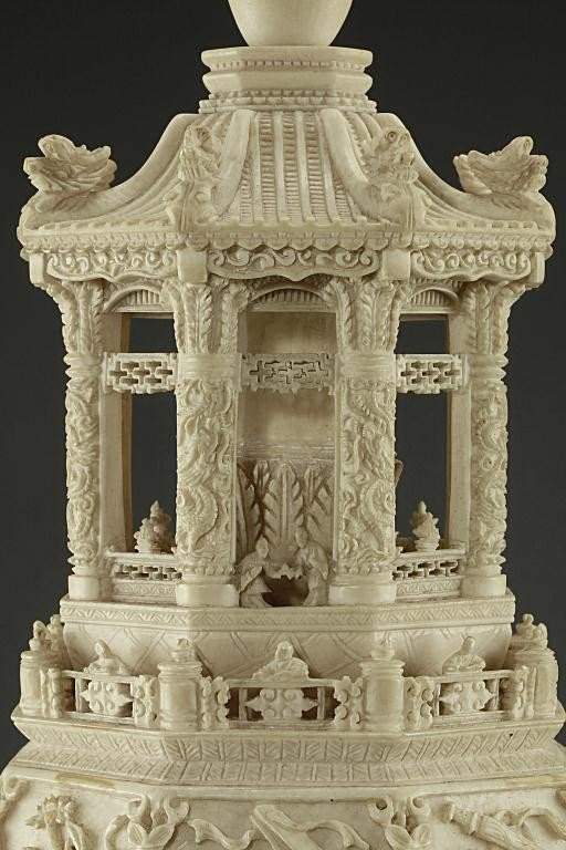 49: MAGNIFICENT ANTIQUE CHINESE CARVED IVORY VASE - 5