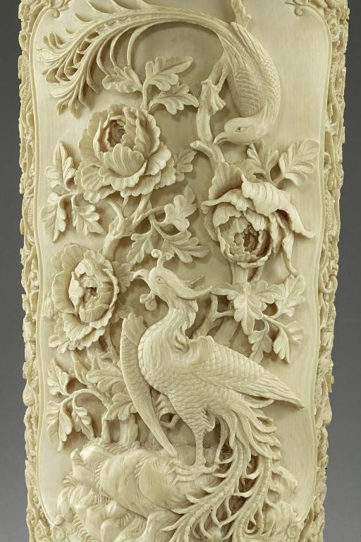 49: MAGNIFICENT ANTIQUE CHINESE CARVED IVORY VASE - 7
