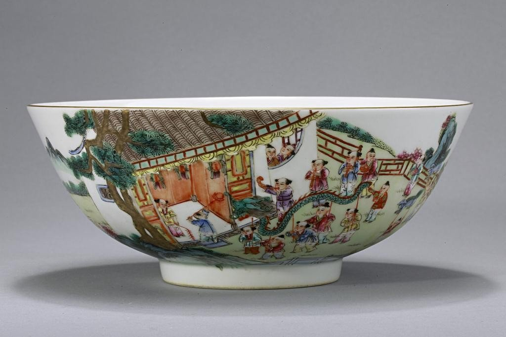 17: CHINESE PORCELAIN BOWL, OF HUNDRED PLAYING CHILDREN