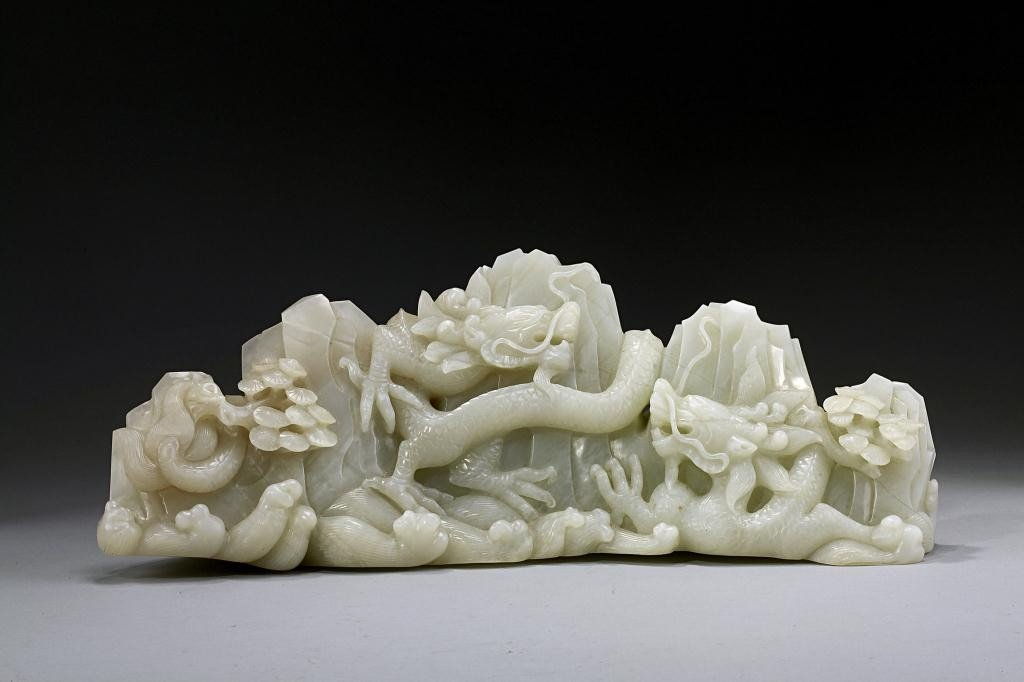 18: CHINESE CARVED WHITE JADE OF TWO DRAGONS