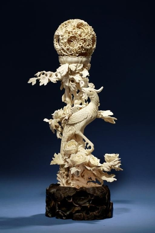7: FINE CHINESE CARVED IVORY PUZZLE BALL WITH PHOENIX