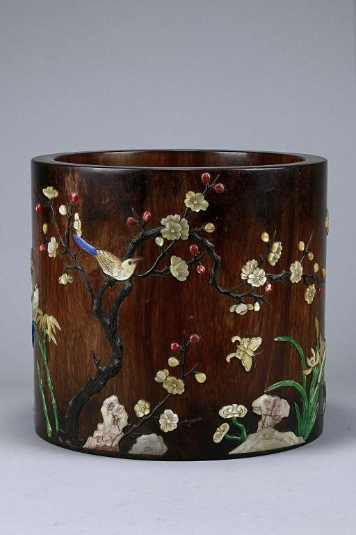 9: CHINESE MOTHER-OF-PEARL INLAID WOODEN BRUSH POT