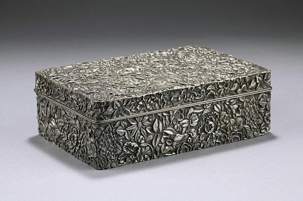 251: EXQUISITELY CHASED JAPANESE SILVER BOX, SIGNED