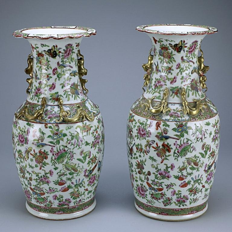 7: PAIR OF ANTIQUE CHINESE ROSE MEDALLION VASES