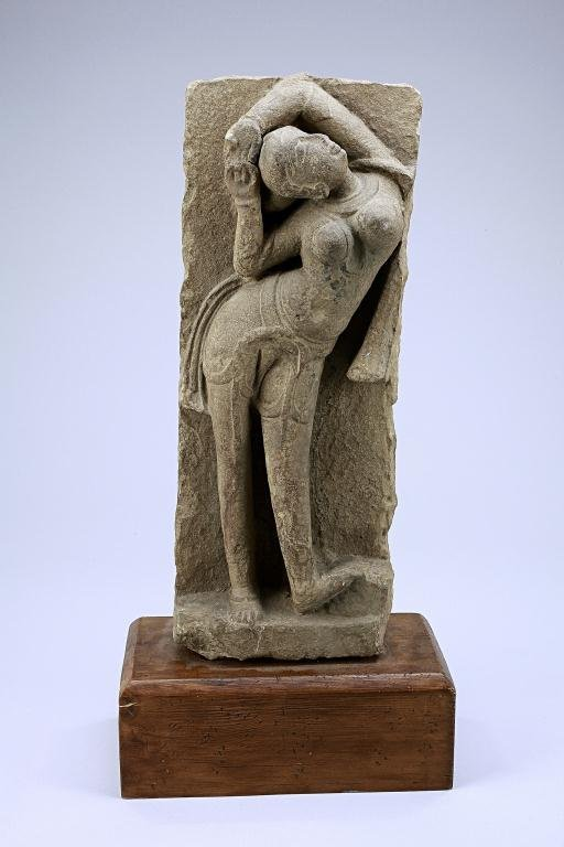 11: ANTIQUE INDIAN SANDSTONE FIGURE OF A WOMAN