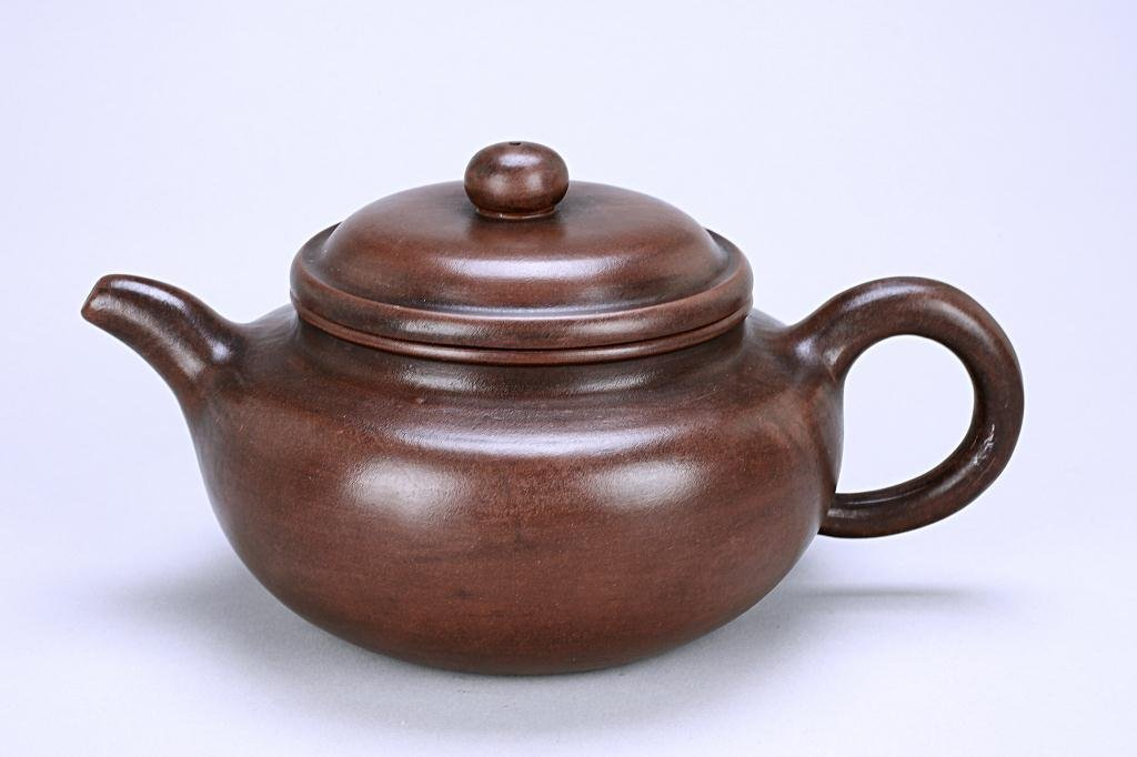 230: ANTIQUE CHINESE POTTERY TEAPOT