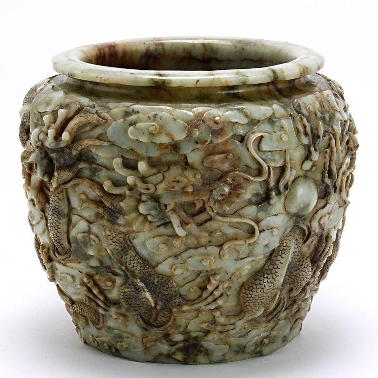 17: ANTIQUE CHINESE CARVED JADE 'DRAGON' JARDINIÈRE