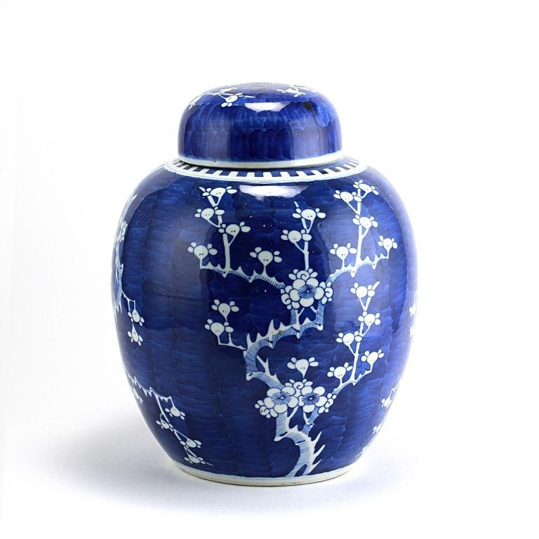 6: ANTIQUE CHINESE BLUE AND WHITE LIDDED GINGER JAR