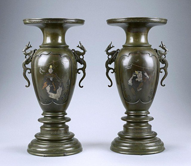 ANTIQUE PAIR OF JAPANESE GOLD AND SILVER METAL VAS