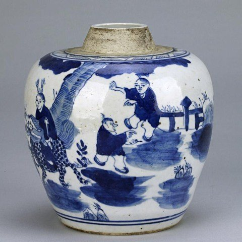3: ANTIQUE CHINESE BLUE AND WHITE BULBOUS FORM VASE