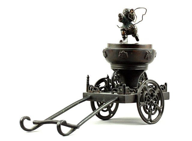 24: JAPANESE BRONZE CENSER ON A CARRIAGE