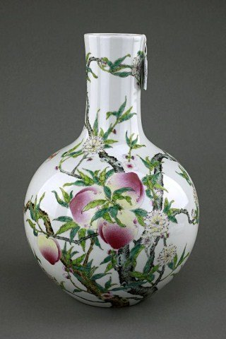 5: ANTIQUE CHINESE 'NINE PEACH' DESIGN GLOBULAR VASE