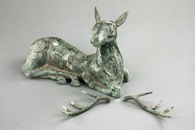 6: CHINESE BRONZE FIGURE OF A RECUMBENT DEER
