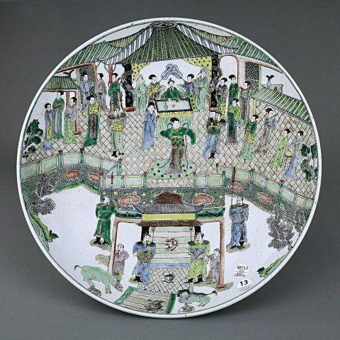 13: LARGE ANTIQUE CHINESE FAMILLE VERTE CHARGER