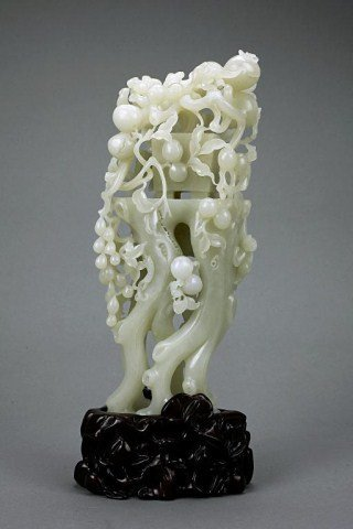 16: CHINESE CARVED WHITE JADE OF A POMEGRANATE