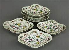 279: SET OF SIX FAMILLE ROSE FOOTED PORCELAIN DISHES