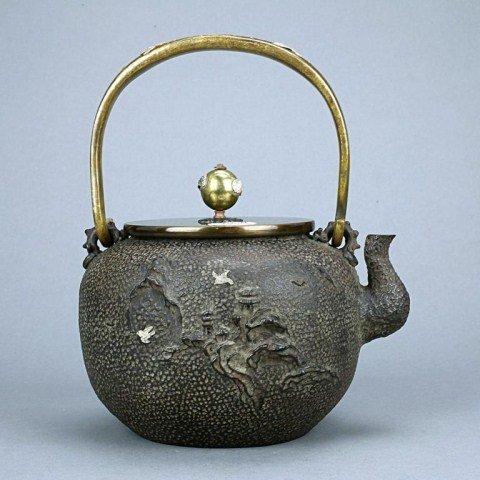 JAPANESE GOLD IN-LAID KIBUNDOU BRONZE TEAPOT