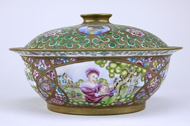 5: HAND PAINTED CHINESE  EXPORT LIDDED BOWL