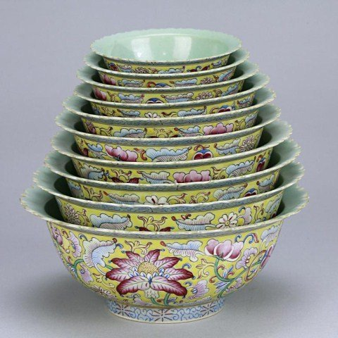 7: CHINESE FAMILLE ROSE NEST OF BOWLS, SET OF TEN